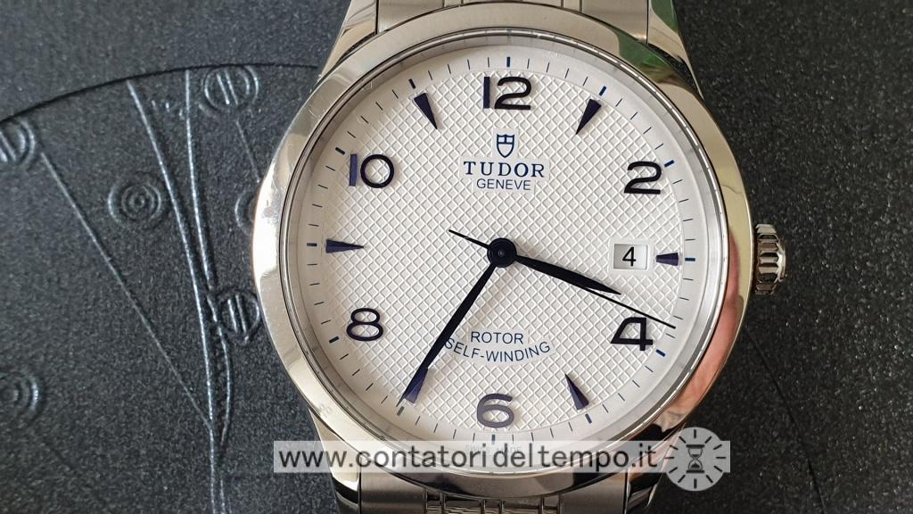 La sottile lunetta del Tudor 1926